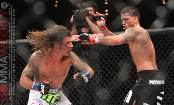 clay-guida-anthony-pettis-ufc-tuf-13-238