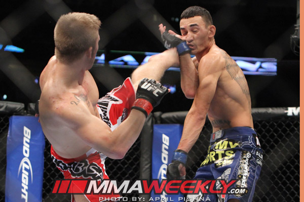 05-justin-lawrence-vs-max-holloway-ufc-150-4131