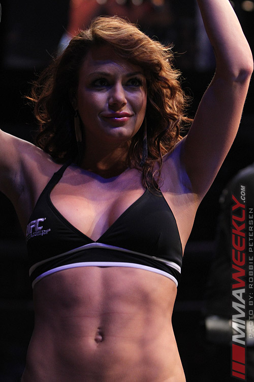 11-03-ringgirls-ufc-on-fox-4