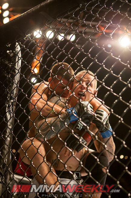 01-george-sotiropoulos-vs-ross-pearson-ufc-on-fx-6-249