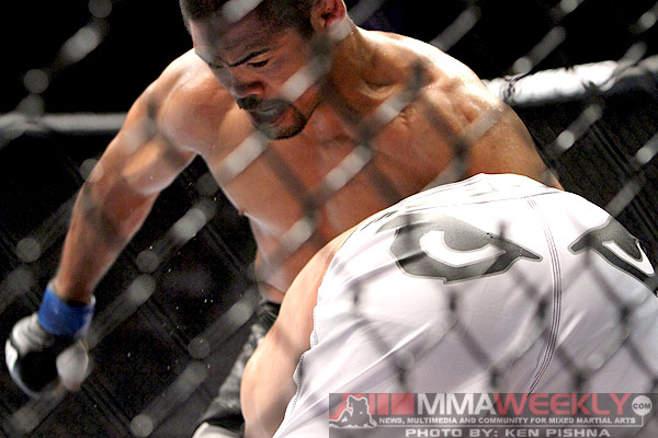 mark-munoz-vs-demian-maia-ufc-131-0044