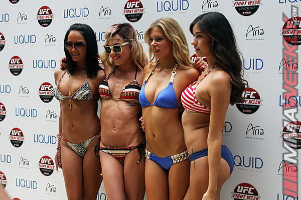 ufc-162-pool-party-girls-5