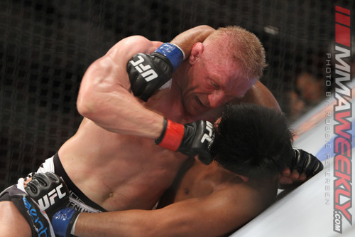 10-dennis-siver-vs-nam-phan-ufc-on-fox-5_6741