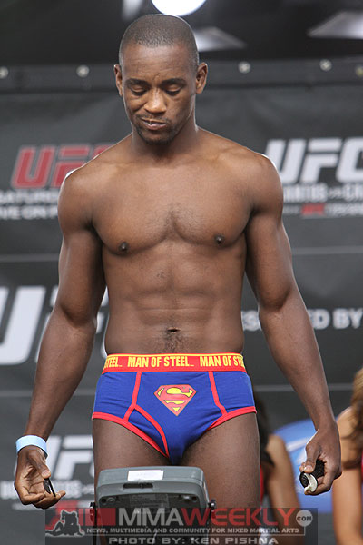 19-yves-edwards-ufc-131-w-0186