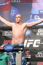 14-stefan-struve-ufc-146-weigh