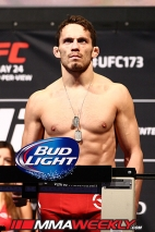 07-jake-ellenberger-ufc-173-weigh