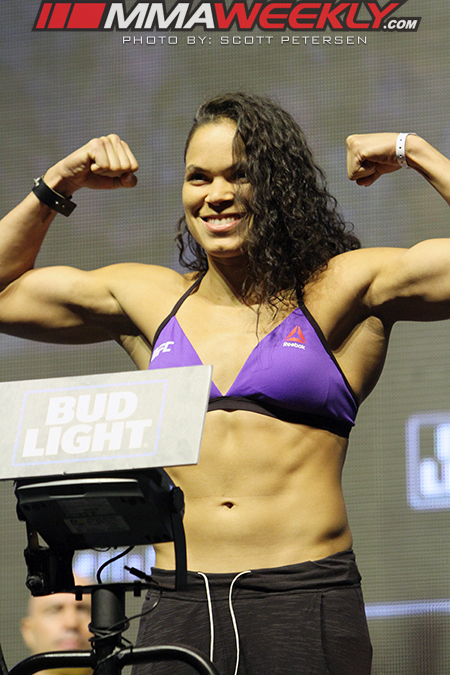 01-Amanda-Nunes-UFC-200-weigh