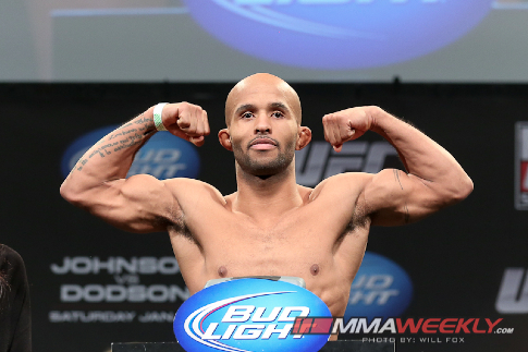 02-demetrious-johnson-ufc-on-fox-6-weigh-3345