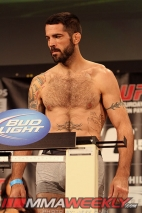 23-matt-brown-ufc145-weigh