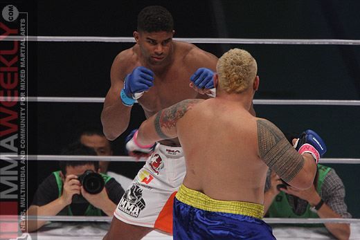 Alistair Overeem and Mark Hunt at Dream 5