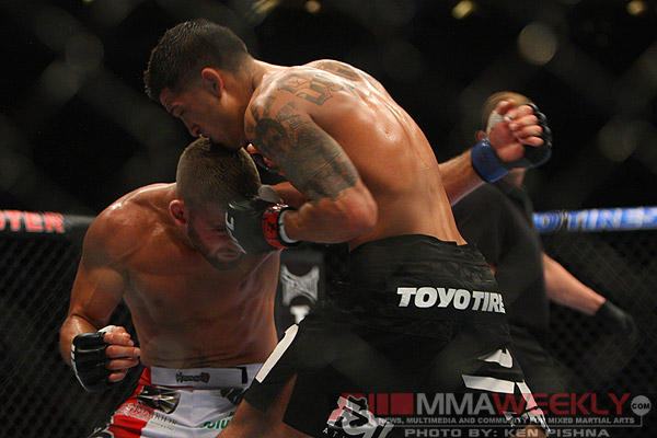 Anthony Pettis and Jeremy Stephens at UFC 136