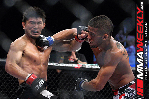 Omigawa and Young at UFC 138