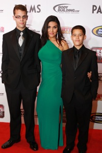 host molly qerim shares the mma awards with two special guests