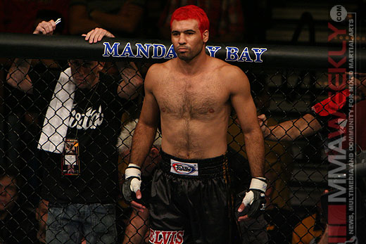 Elvis Sinosic at UFC 57