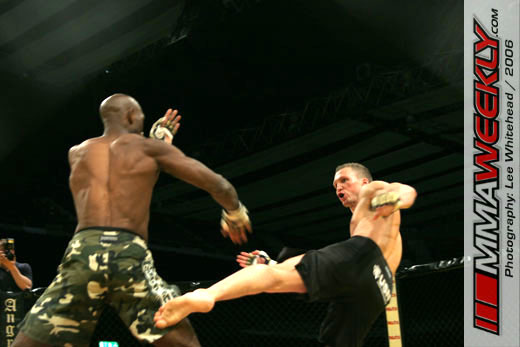 Galesic and Weir at Cage Rage 19