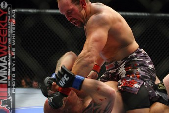 Shane Carwin and Neil Wain at UFC 89