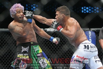 Tyson Griffin and Hermes Franca at UFC 103