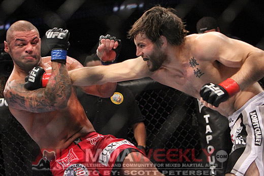 Jon Fitch rocks Thiago Alves at UFC 117