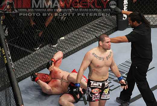 Cain Velasquez and Brock Lesnar at UFC 121