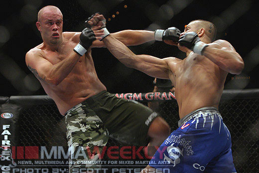 Chuck Liddell and Jeremy Horn at UFC 54