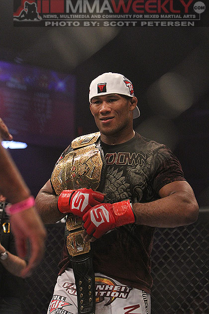 "Ronaldo ""Jacare"" Souza, Strikeforce Champion"