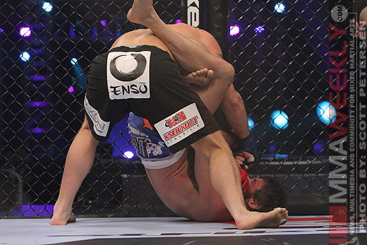 Ron Keslar with the triangle/armbar combo on Eric Lawson