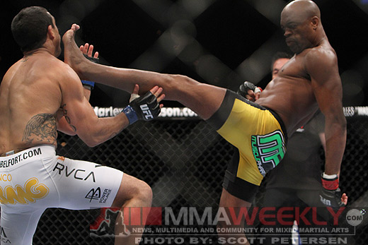 Anderson Silva knocks out Vitor Belfort with a kick to the face at UFC 126