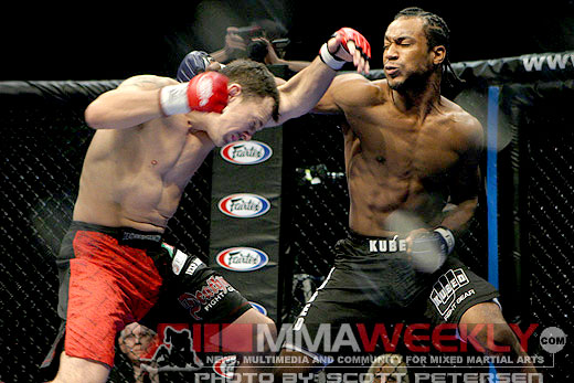 Anthony Lapsley takes a swing at Drew Fickett at HDNet Fights 1