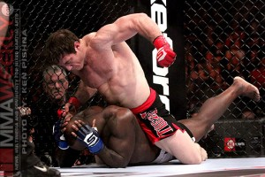 Tim Kennedy unleashes on Melvin Manhoef before he submits him at Strikeforce