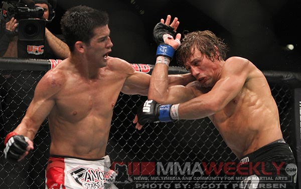 Dominick Cruz cracks on Urijah Faber