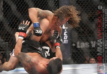 Clay Guida dropping bombs on Anthony Pettis