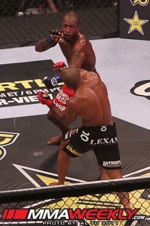Bobby Green throwing down with JZ Cavalcante