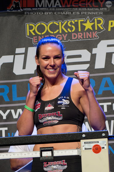 26-Alexis-Davis-Strikeforce-911-w-0337