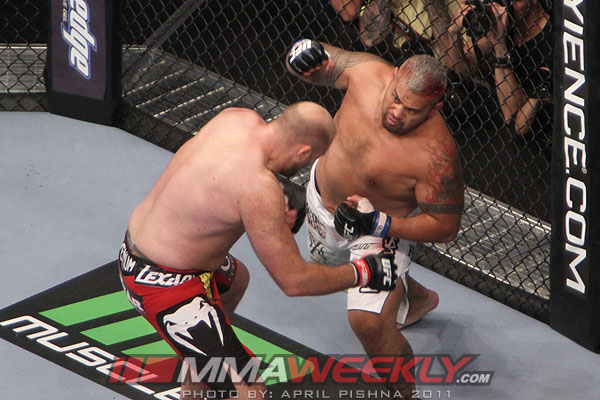 Ben Rothwell and Mark Hunt at UFC 135