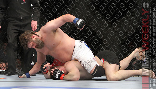 Roy Nelson finishes Mirko Cro Cop at UFC 137