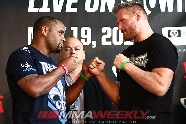 Daniel Cormier and Josh Barnett - Strikeforce weigh-in