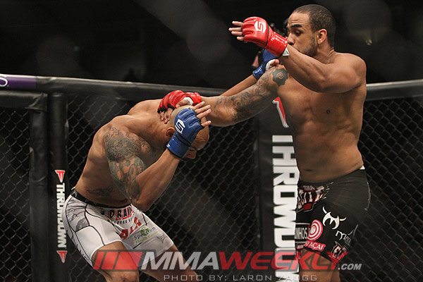 Rafael 'Feijao' Cavalcante and Mike Kyle at Strikeforce
