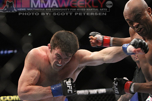 Chael Sonnen vs Anderson Silva at UFC 117