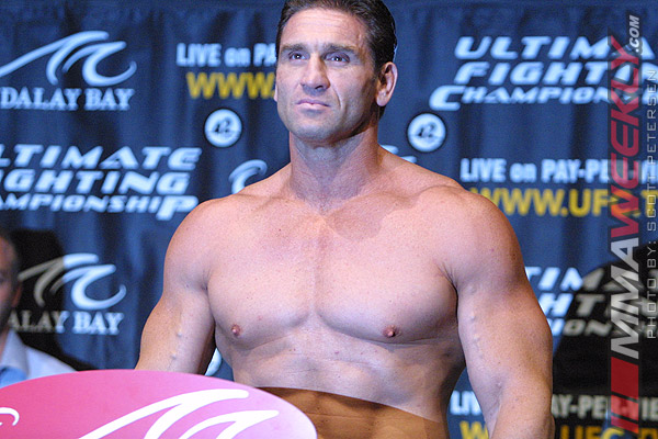 Ken Shamrock at UFC 48 weigh-ins