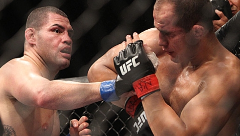 Should Velasquez vs. dos Santos Have Been Stopped Sooner ...