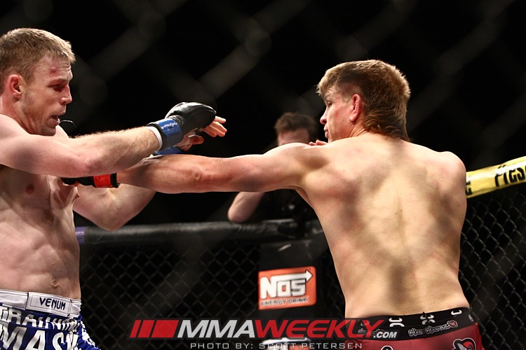 Mike Pyle vs James Head TUF 16 Finale