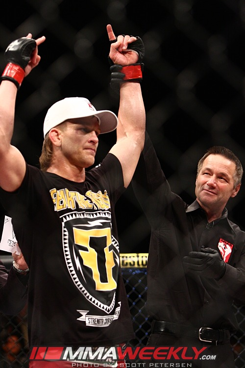 Mike Pyle TUF 16 Finale