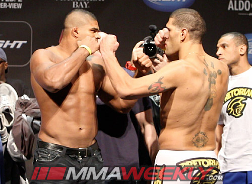 Alistair Overeem vs Antonio Bigfoot Silva at UFC 156 weigh-ins