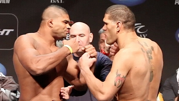 Alistair Overeem vs Bigfoot Silva UFC 156 Weigh FaceOff-478x270