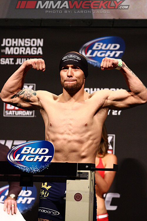 31-Justin-Salas-UFC-on-FOX-8-w