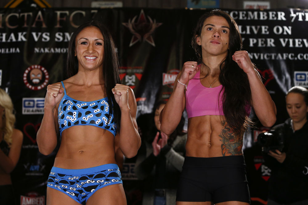 Carla Esparza and Claudia Gadelha