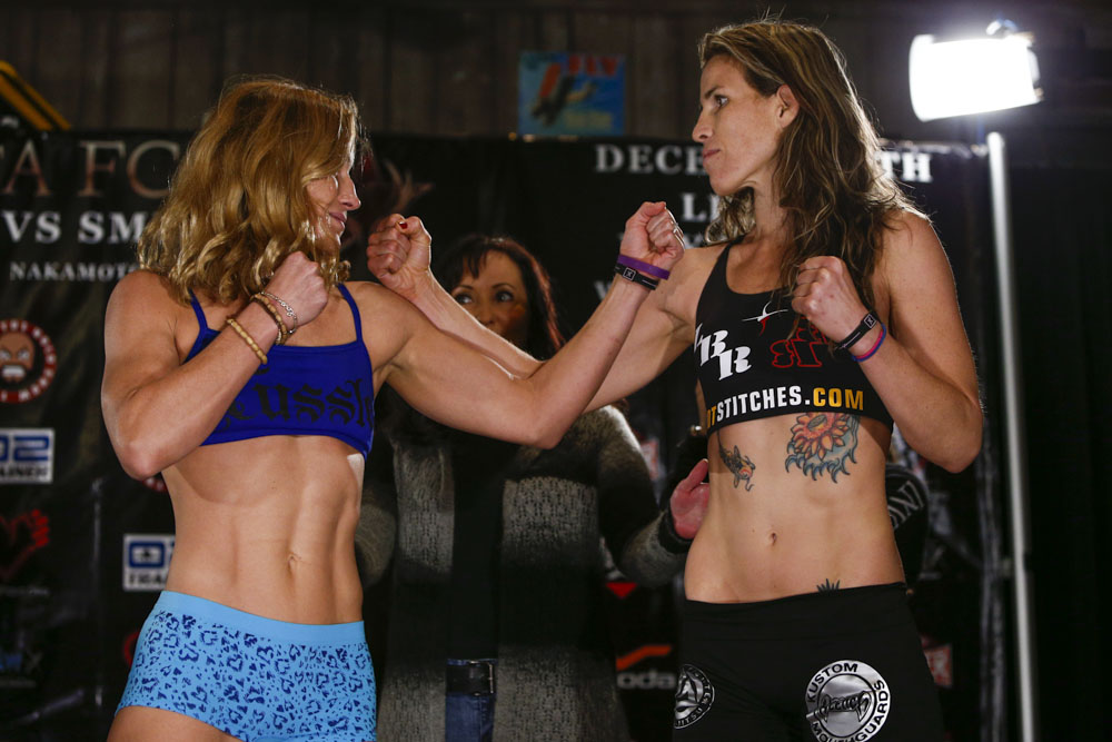 Barb Honchak vs Leslie Smith