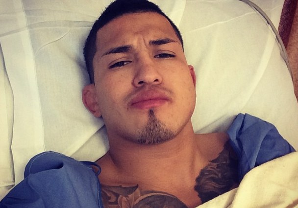 Anthony Pettis post-surgery selfie