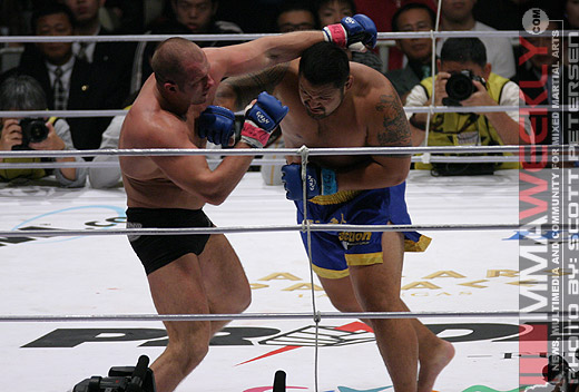 Mark Hunt vs. Fedor in Pride