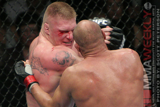 Brock Lesnar vs Randy Couture